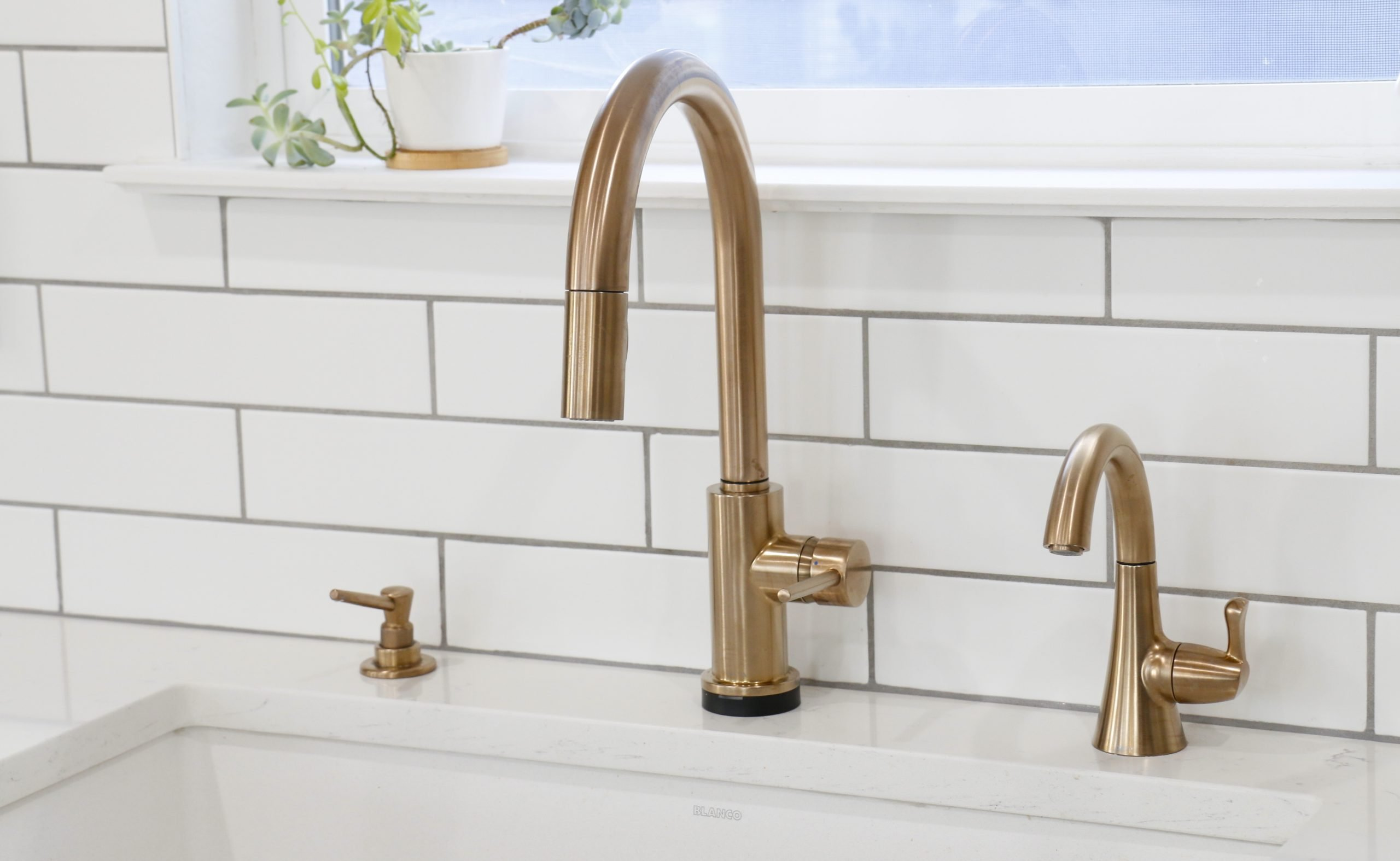 Why We Picked Delta S Trinsic Touch20 Kitchen Faucet Unmatching Delta Bar Faucet Review Misty Kingma